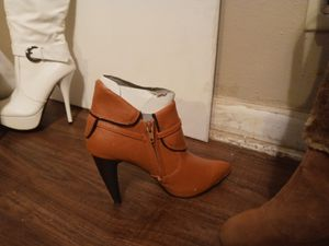 Women's ankle boot hills new for Sale in Wichita, KS