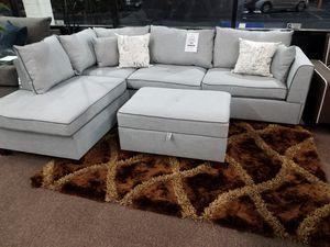 3 PC sectional with storage ottoman for Sale in Fresno, CA