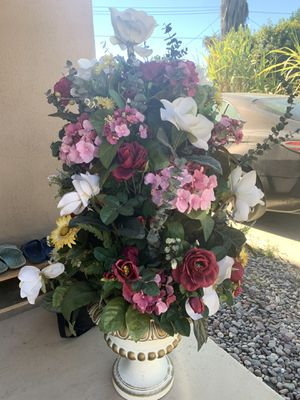 Flower decoration for Sale in Covina, CA