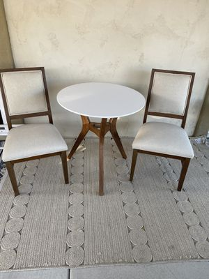 Dining table and chairs for Sale in Chula Vista, CA