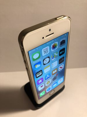 iPhone 5s 16gb Gold (Factory Unlocked) Excellent Condition for Sale in Oakland, CA