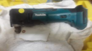 Makita 18 volt LXT Multi-tool w/ lots of blades & accessories for Sale in Oakland, CA