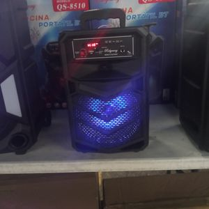 Brand New 8 In Speaker Has Bluetooth Fm Am Great Sound Base Very Loud And Only For 40 Bucks Brand New Speaker In The Box for Sale in Phoenix, AZ