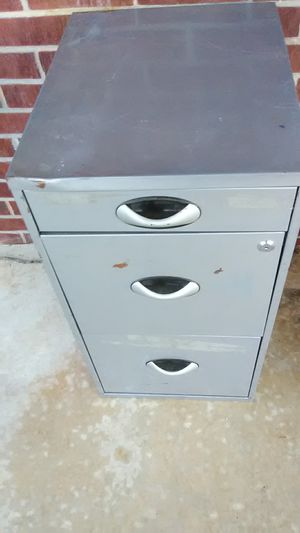 Small 3 drawer file cabinet for Sale in Simpsonville, SC