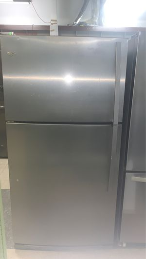 WHIRLPOOL TOP IN BOTTOM REFRIGERATOR STAINLESS STEEL EXCELLENT CONDITION for Sale in Elkridge, MD