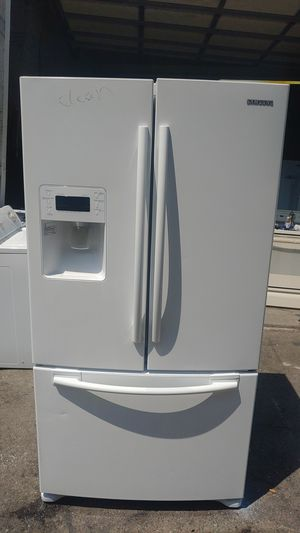 Kenmore refrigerator for Sale in Meriden, CT