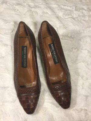 Vintage Mario Valentino 5.5 Hand Painted Leather Basket Weave Brown Heels for Sale in Troy, VA