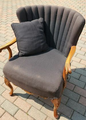 Beautiful vintage wood antique chair for Sale in Morton Grove, IL
