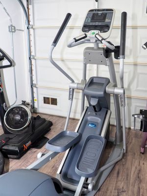 Precor Efx 576i elliptical trainer for Sale in San Diego, CA