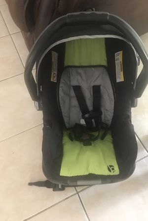 Baby Trend Jogging Stroller With Car Seat And Base. for Sale in Vero Beach, FL