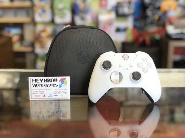 White xbox One elite controller