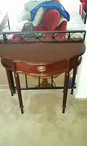 Entry table with drawer for Sale in Baltimore, MD