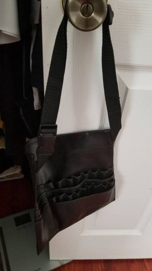 Makeup brushes bag for Sale in Chantilly, VA
