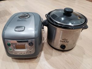 Rice cooker and crock pot for Sale in Washington, DC