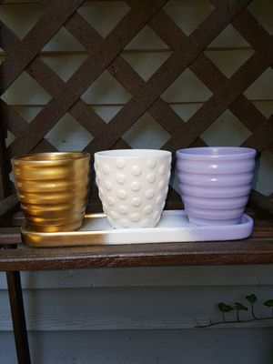 3 pot planter great for planting herbs! Can be repainted. for Sale in Meriden, CT