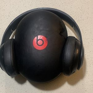 Dre Beats Studio Wireless for Sale in Virginia Beach, VA