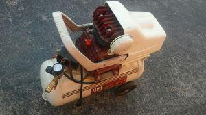 8 gallon air compressor for Sale in Troy, MI