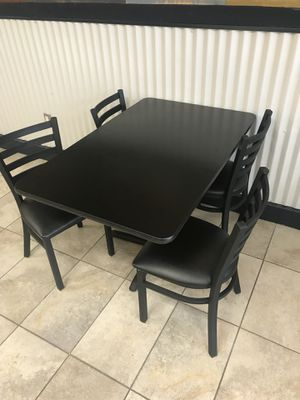 Table and chairs for Sale in San Diego, CA