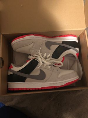 Nike sb dunk low infrared for Sale in Waukegan, IL