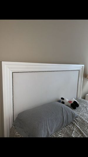 Z Gallerie queen bed frame with springbox and mattress for Sale in Chicago, IL