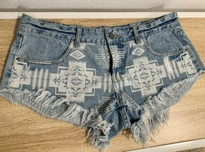 Billabong Tribal Pattern Denim Shorts, women's 11 (medium/large) for Sale in Cupertino, CA