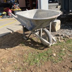 Wheelbarrows for Sale in Vancouver,  WA