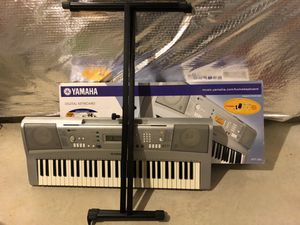 Yamaha Keyboard with stand YPT300 for Sale in Aldie, VA