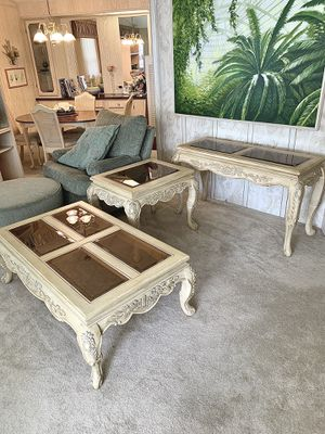 Coffee table, end table, console table for Sale in Valrico, FL