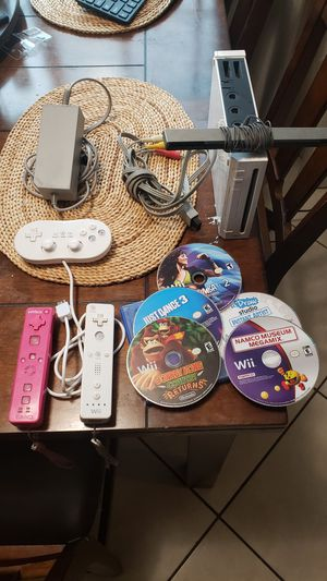 Wii bundle with snes,gba,sega,and n64 games for Sale in Riverside, CA