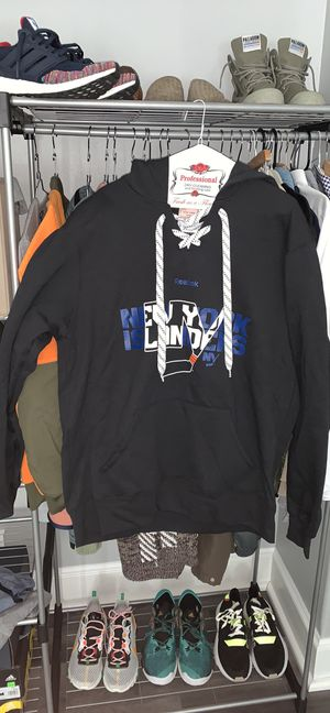 Men's NY Islanders hoodie size large NWT for Sale in Portland, OR