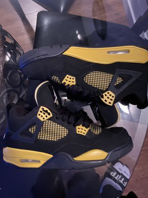 Jordan Thunder 4s for Sale in Los Angeles, CA