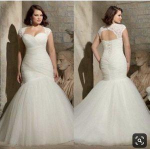 Plus size wedding dress for Sale in Stonecrest, GA