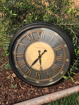 Large Wall Clock for Sale in Lemoore, CA
