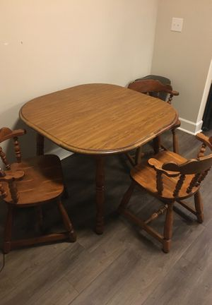 Dinning table with chairs for Sale in Taylors, SC
