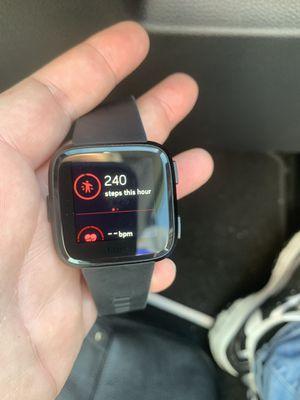 Fitbit Versa like new for Sale in Gibsonton, FL