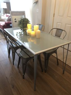 Modern farmhouse dinning table set kitchen set for Sale in Snohomish,  WA