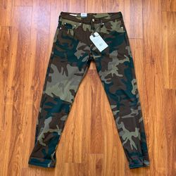 Levis Camouflage Jeans (size 30) for Sale in Los Angeles,  CA