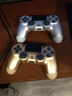 Ps4 Dualshock 4 Controllers for Sale in Clermont,  FL