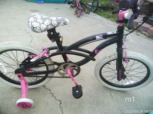"""Girls bmx style 18"""" hello Kitty bike like new just tires dirty ready to ride needs nothing 50$ for Sale in Westminster, CA"""