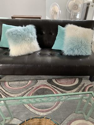 Futon couch/bed for Sale in Katy, TX