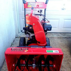"PowerLand 24"" Snow Thrower for Sale in Oxon Hill, MD"
