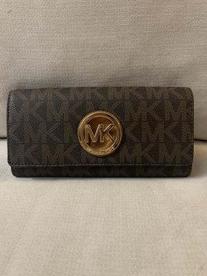 Michael Kors Wallet for Sale in Kings Park, NY