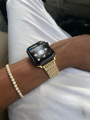 Series 5 Apple Watch GPS&LTE for Sale in Queens, NY