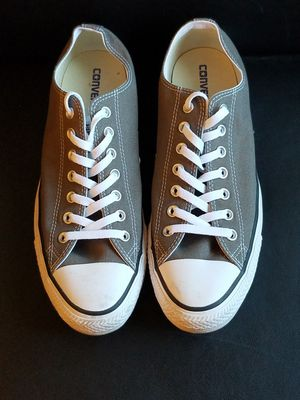 Converse all stars size 11 for Sale in Las Vegas, NV