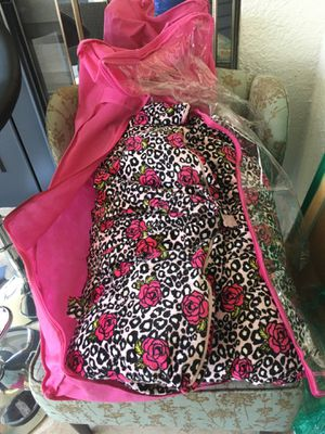 THRO sleeping bag for Sale in Windermere, FL