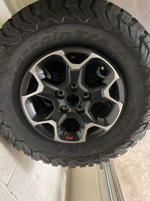 """Stock Rubicon Recon Wheels and 33"""" BFG Tires for Sale in Los Angeles, CA"""