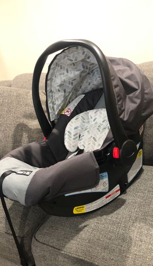 Baby Graco car seat for Sale in Los Angeles, CA