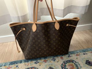 Louis Vuitton Neverfull for Sale in Broomfield, CO