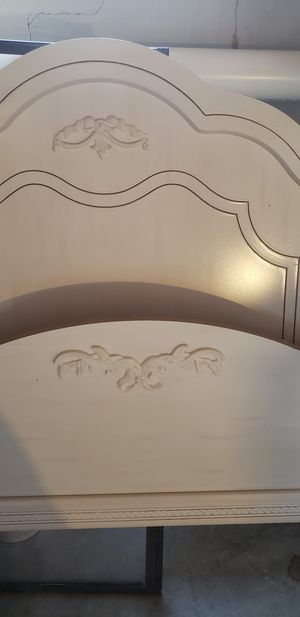 Full Sized Canopy Bed for Sale in Lexington, KY