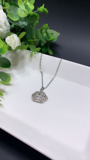 Beautiful Necklace Crown Choker Crystal Pendant, Silver Color for Sale in Los Angeles, CA